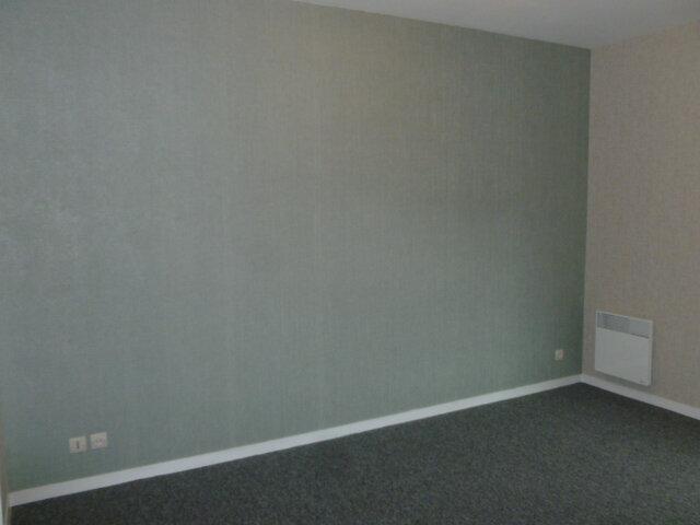 Appartement à louer 3 62.37m2 à Pont-l'Évêque vignette-5
