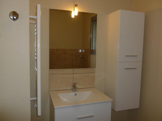Appartement à louer 3 62.37m2 à Pont-l'Évêque vignette-9
