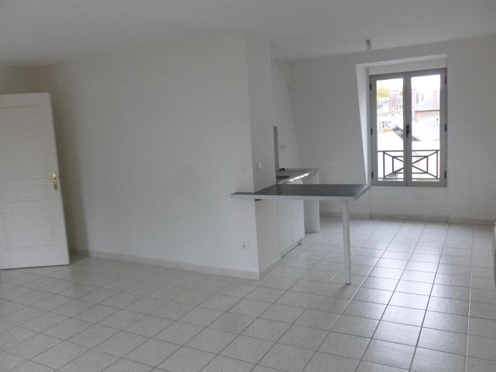 Appartement à louer 3 54m2 à Pont-l'Évêque vignette-2