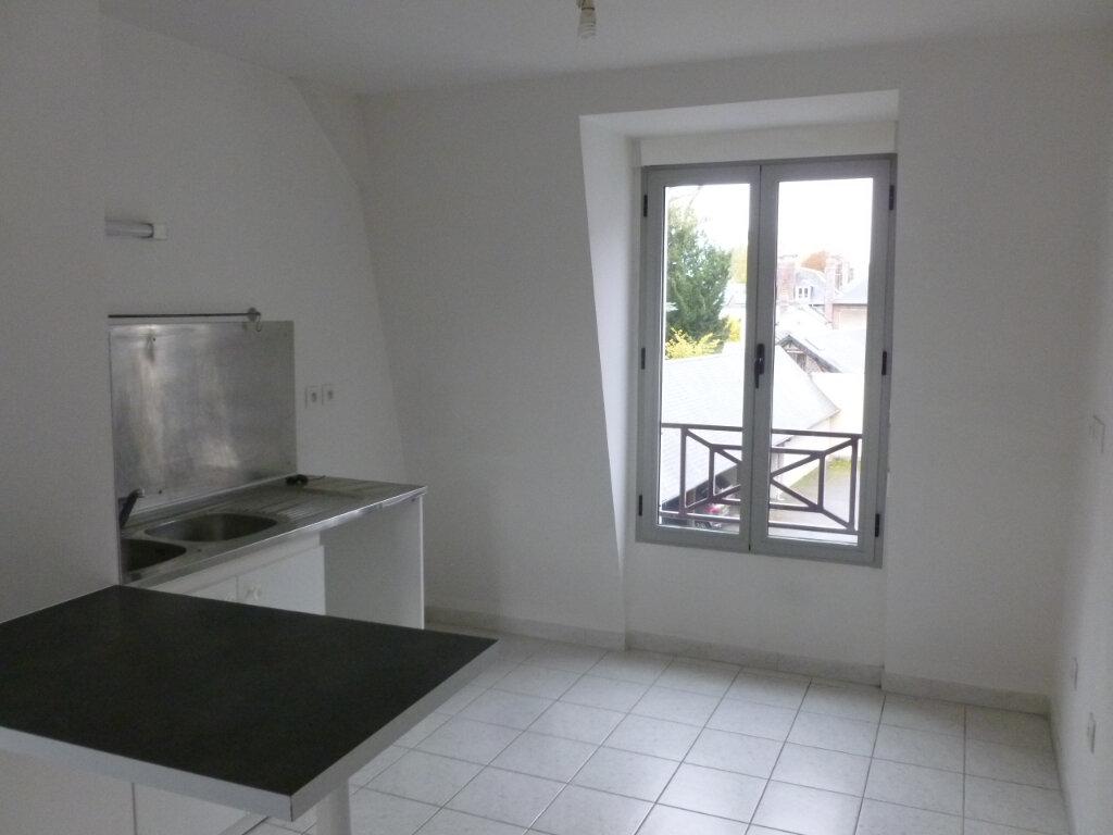 Appartement à louer 3 54m2 à Pont-l'Évêque vignette-3