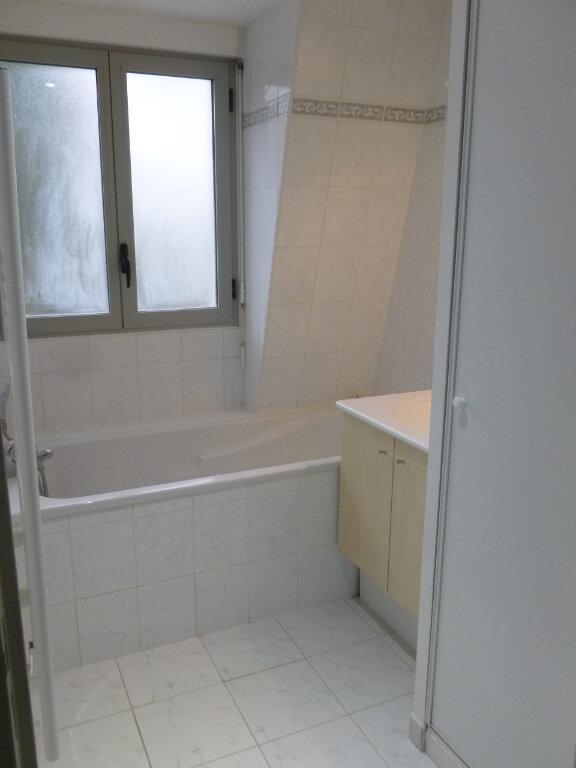 Appartement à louer 3 54m2 à Pont-l'Évêque vignette-5