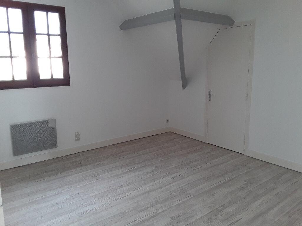 Appartement à louer 4 92.81m2 à Surville vignette-4