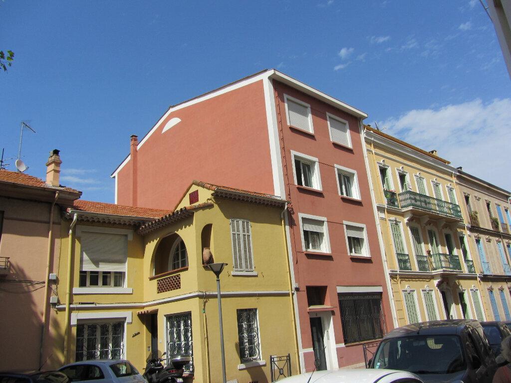 Appartement à vendre 3 77.11m2 à Saint-Raphaël vignette-1