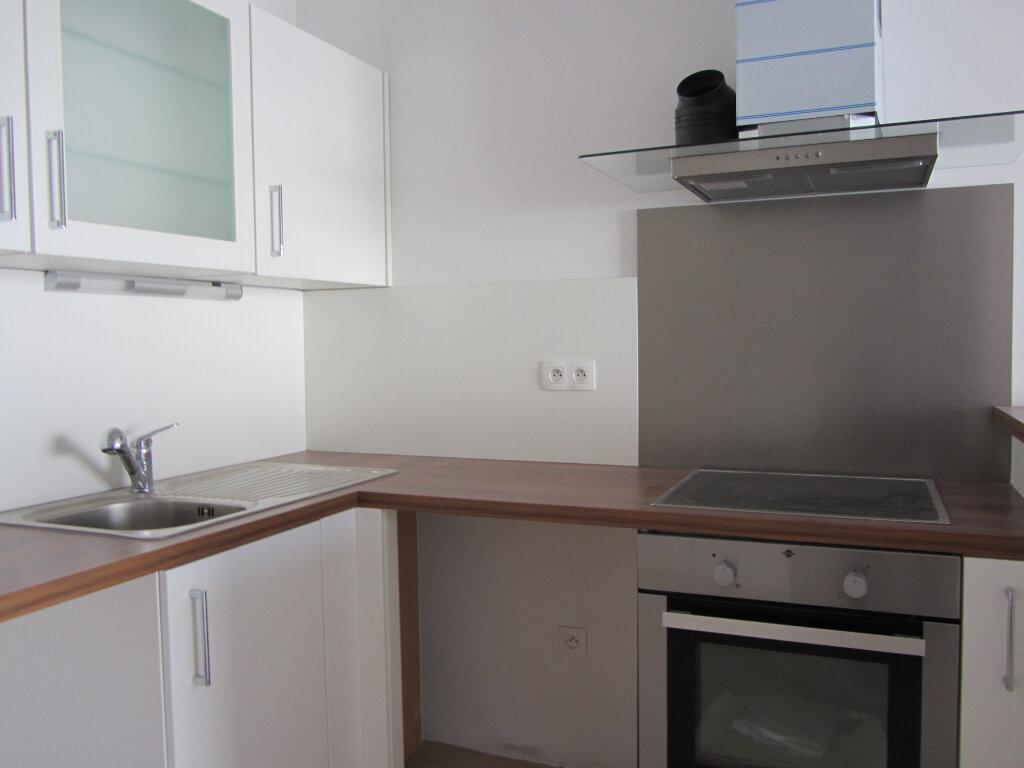 Appartement à vendre 3 77.11m2 à Saint-Raphaël vignette-5