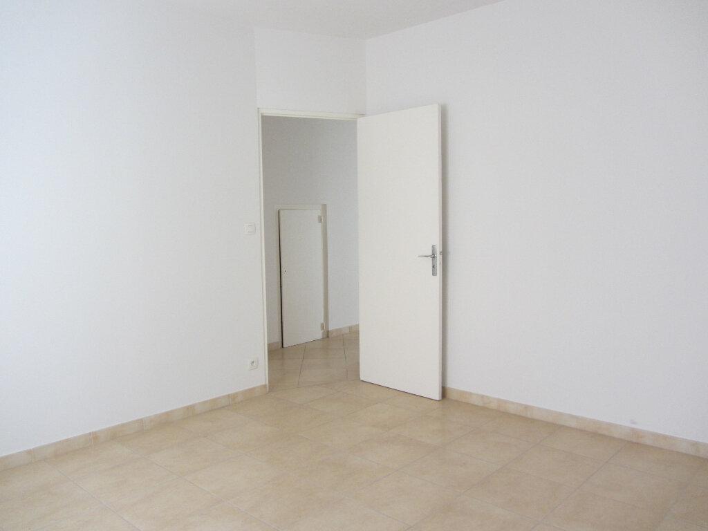 Appartement à vendre 3 77.11m2 à Saint-Raphaël vignette-6