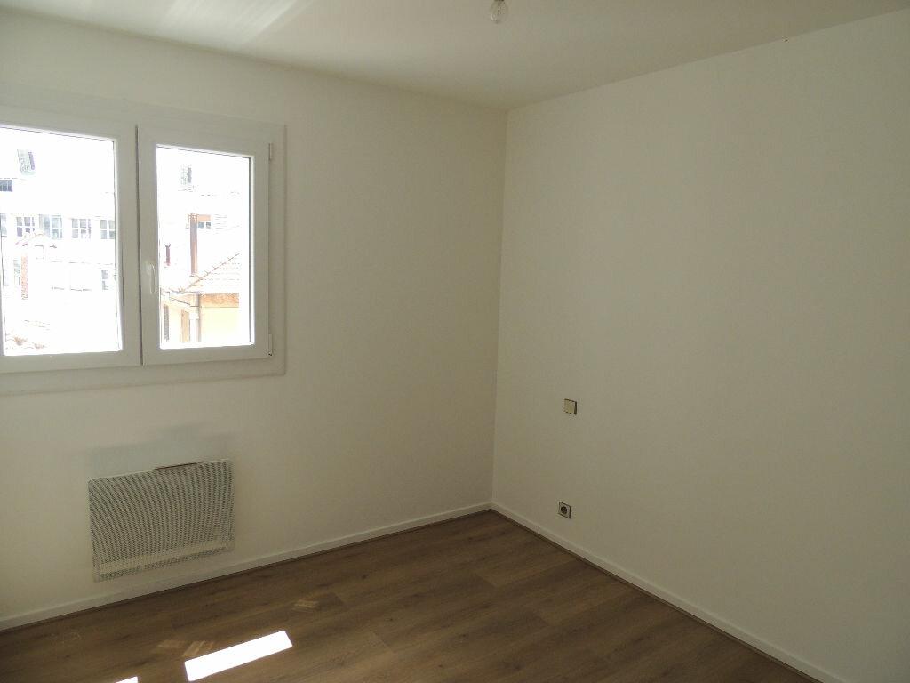 Appartement à vendre 3 71m2 à Saint-Raphaël vignette-4