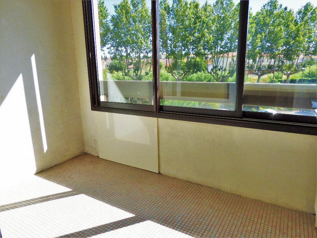 Appartement à vendre 1 27m2 à Fréjus vignette-1