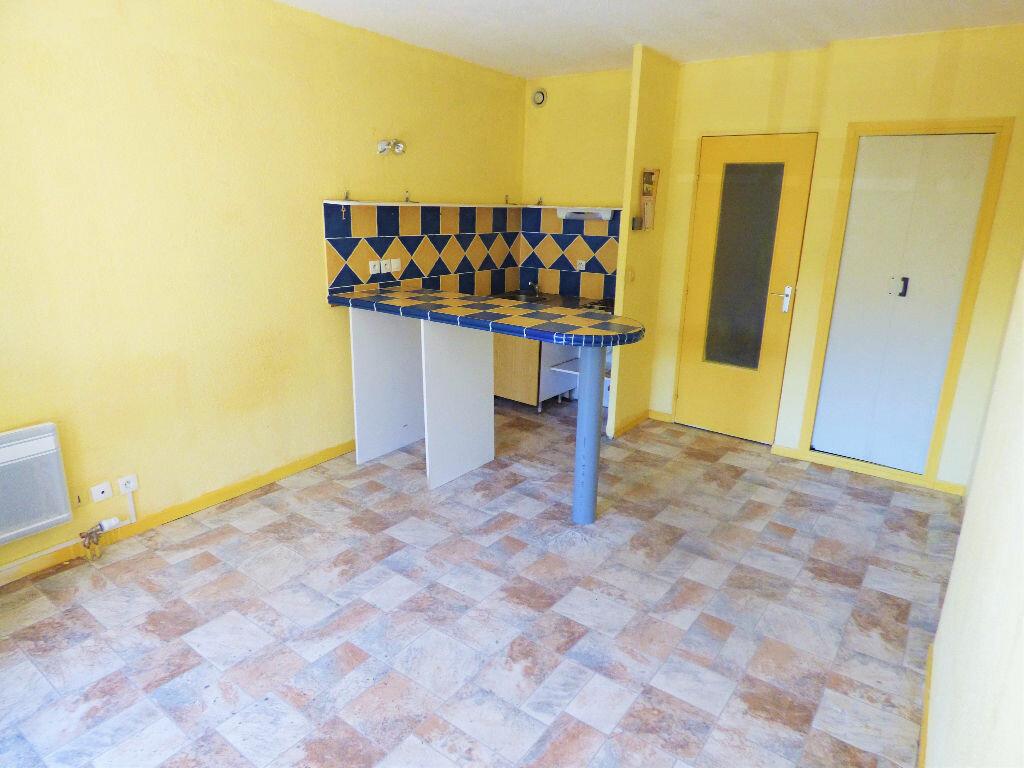 Appartement à vendre 1 27m2 à Fréjus vignette-2