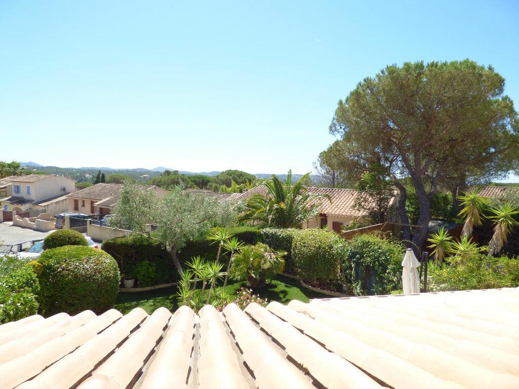 Maison à vendre 5 106m2 à Fréjus vignette-4