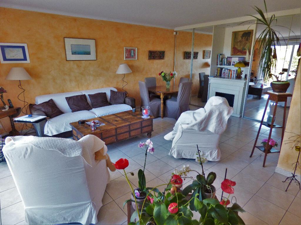 Appartement à vendre 3 88.42m2 à Fréjus vignette-1
