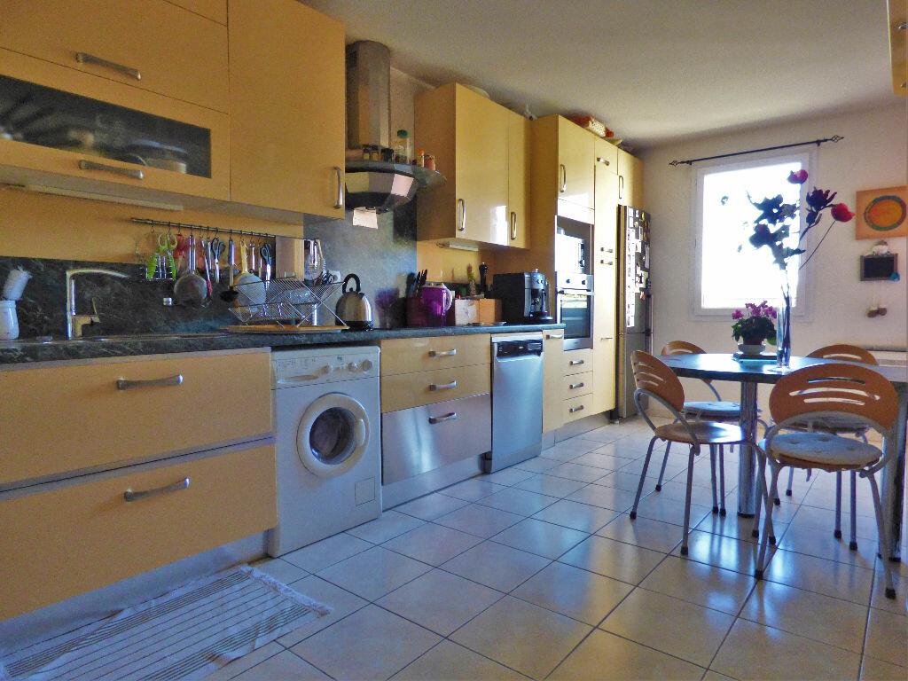 Appartement à vendre 3 88.42m2 à Fréjus vignette-5
