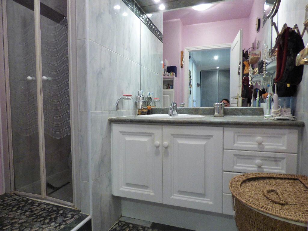 Appartement à vendre 3 88.42m2 à Fréjus vignette-7