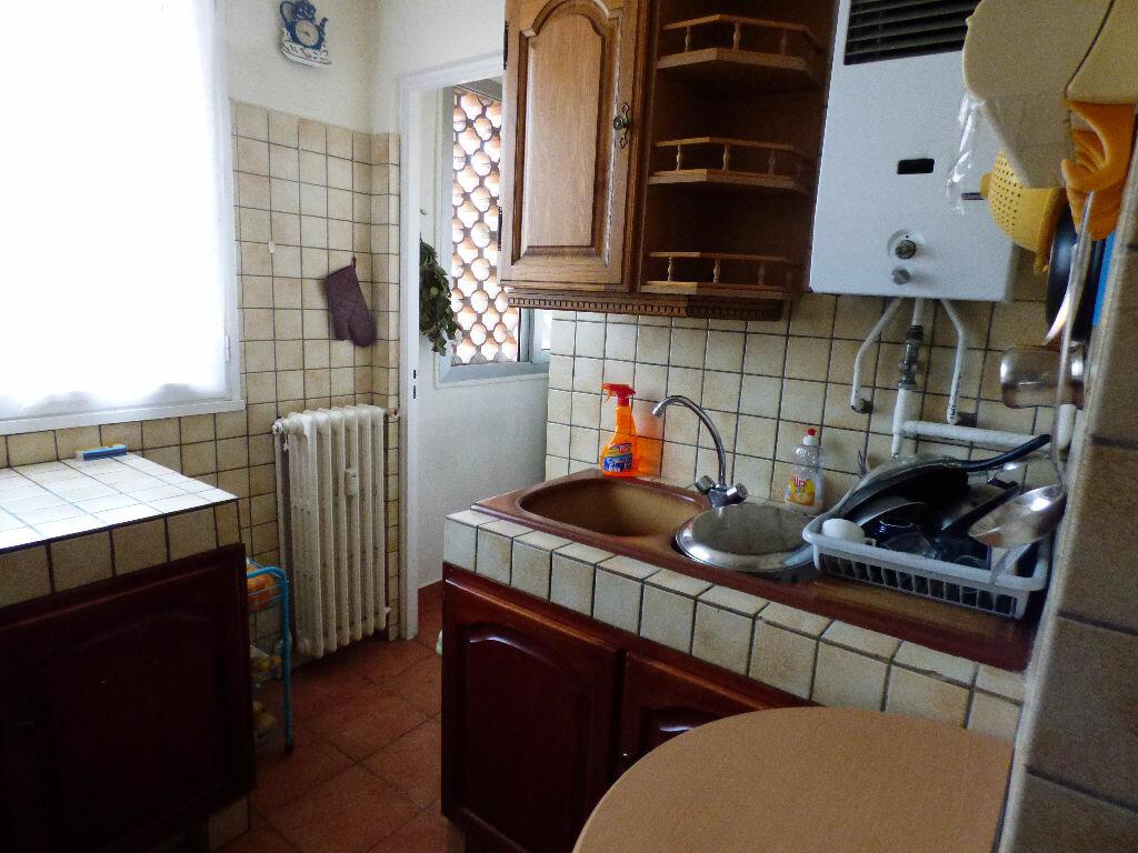 Appartement à vendre 4 73m2 à Saint-Raphaël vignette-5