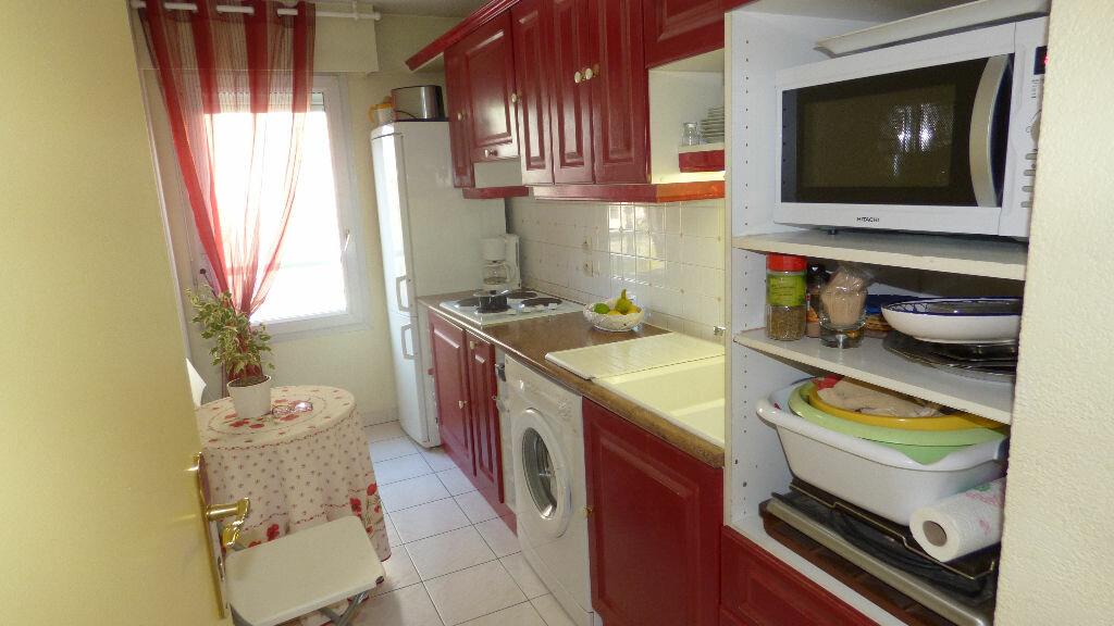Appartement à vendre 4 81.38m2 à Fréjus vignette-5