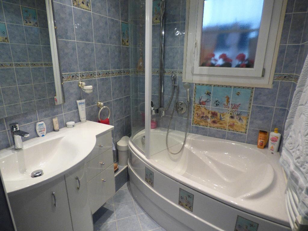 Appartement à vendre 4 73.39m2 à Saint-Raphaël vignette-8