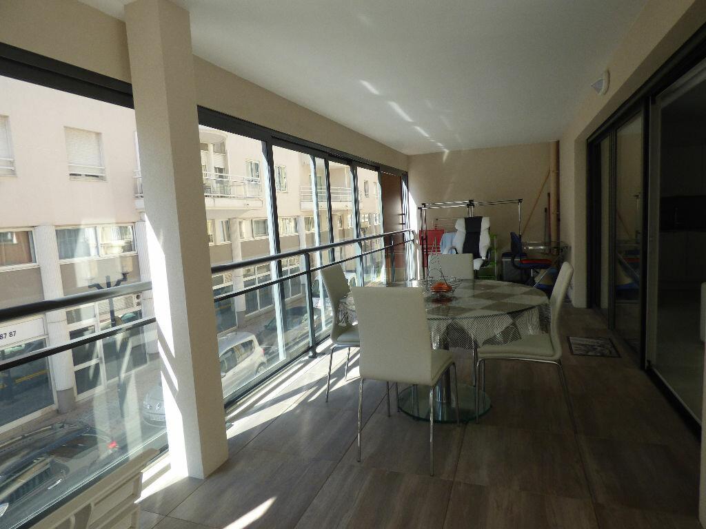 Appartement à vendre 3 78.72m2 à Saint-Raphaël vignette-5