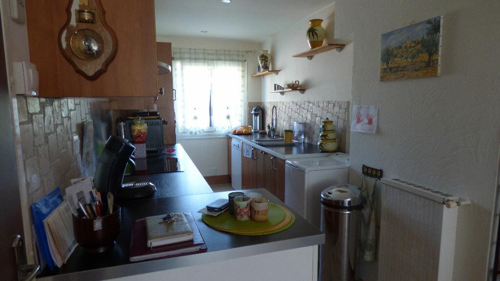 Appartement à vendre 3 64m2 à Fréjus vignette-6