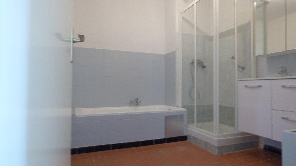 Appartement à vendre 4 100m2 à Fréjus vignette-5