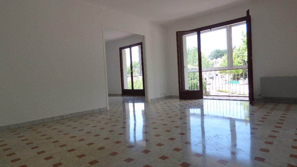 Appartement à vendre 4 100m2 à Fréjus vignette-7