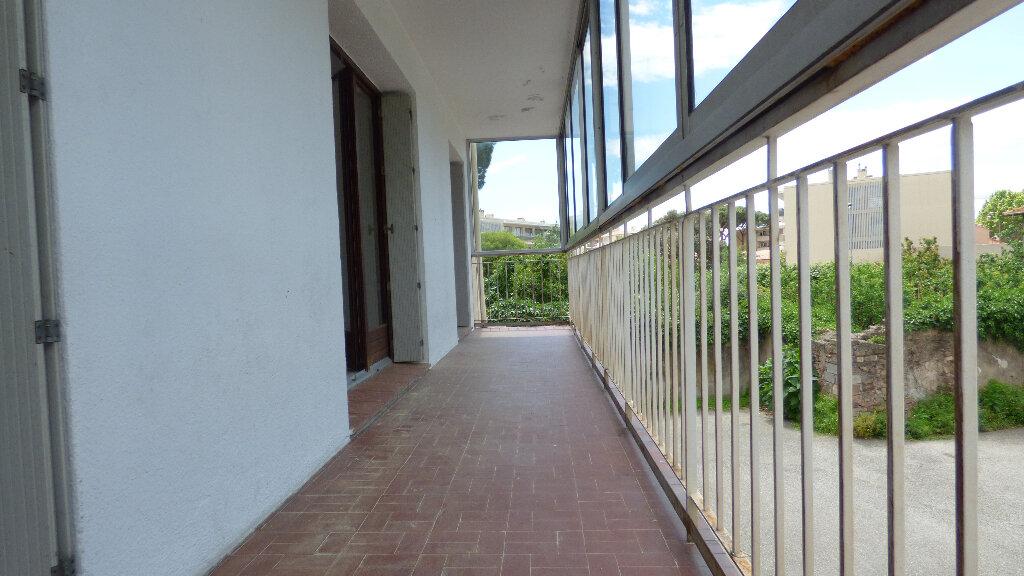Appartement à vendre 4 100m2 à Fréjus vignette-8