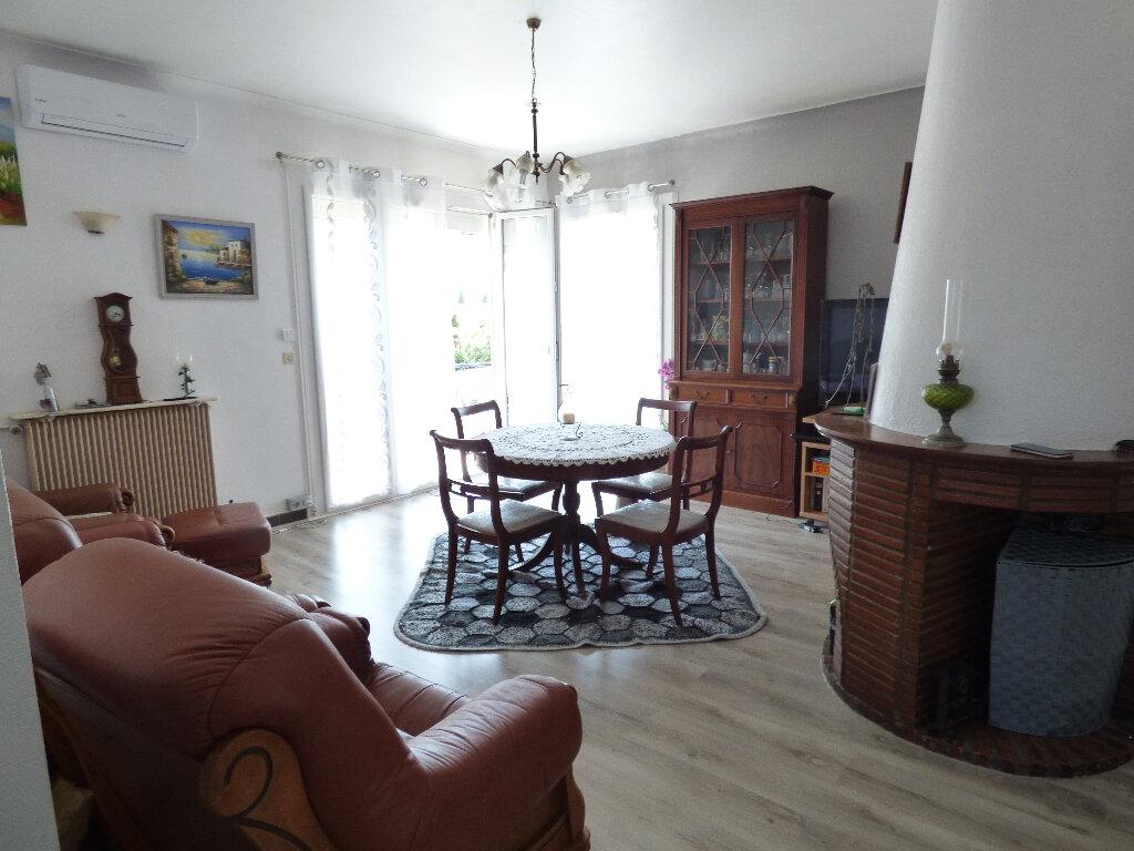 Maison à vendre 5 120m2 à Saint-Raphaël vignette-3