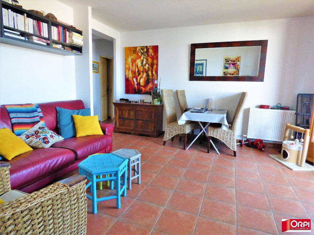 Appartement à vendre 3 60m2 à Saint-Raphaël vignette-2