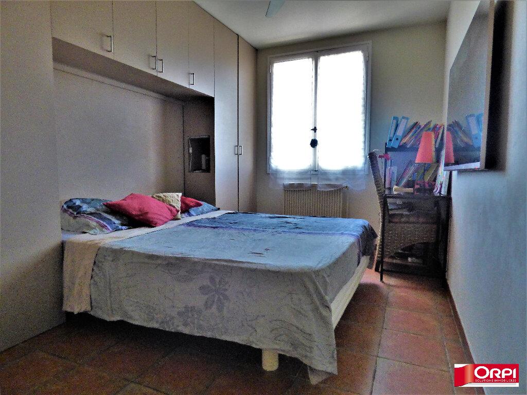 Appartement à vendre 3 60m2 à Saint-Raphaël vignette-3