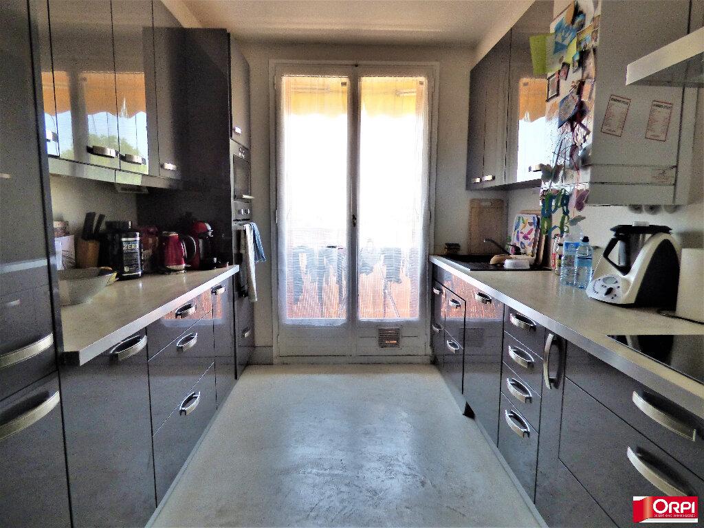 Appartement à vendre 3 60m2 à Saint-Raphaël vignette-4
