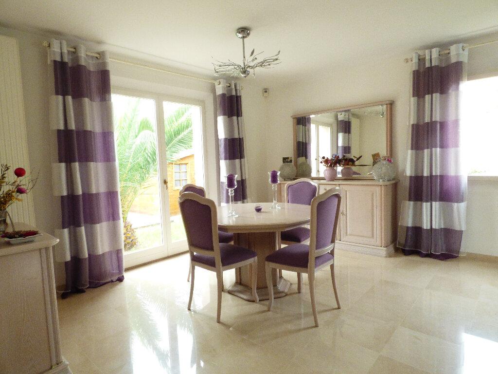 Maison à vendre 5 117m2 à Fréjus vignette-4