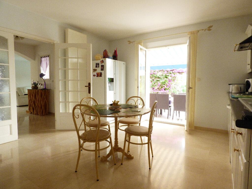 Maison à vendre 5 117m2 à Fréjus vignette-7