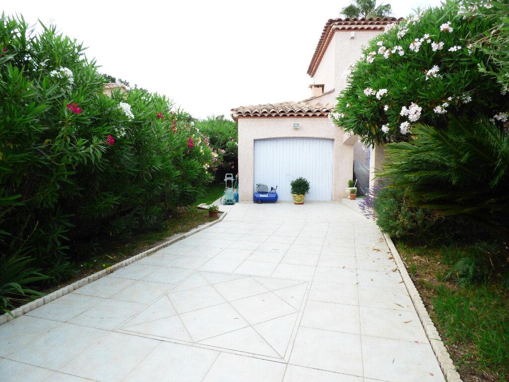 Maison à vendre 5 117m2 à Fréjus vignette-14