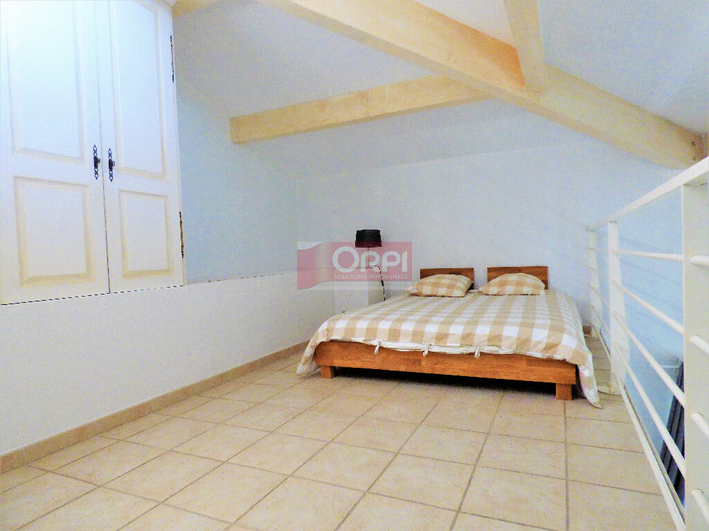 Appartement à vendre 3 74m2 à Fréjus vignette-2