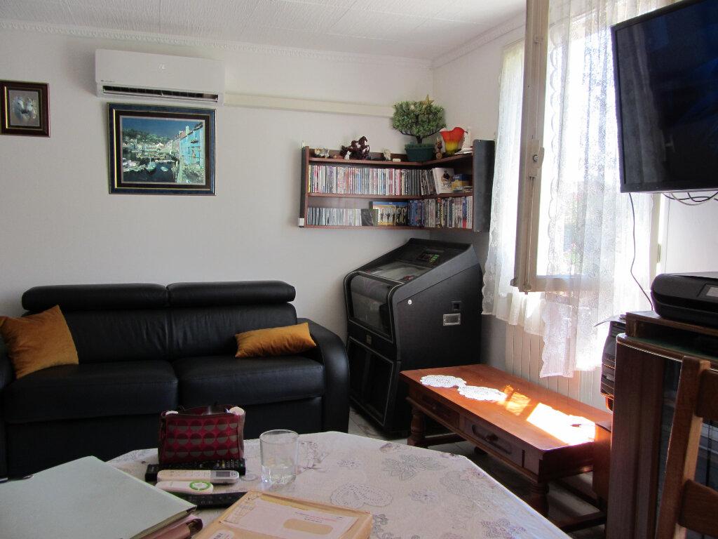 Appartement à vendre 2 51.47m2 à Saint-Raphaël vignette-3