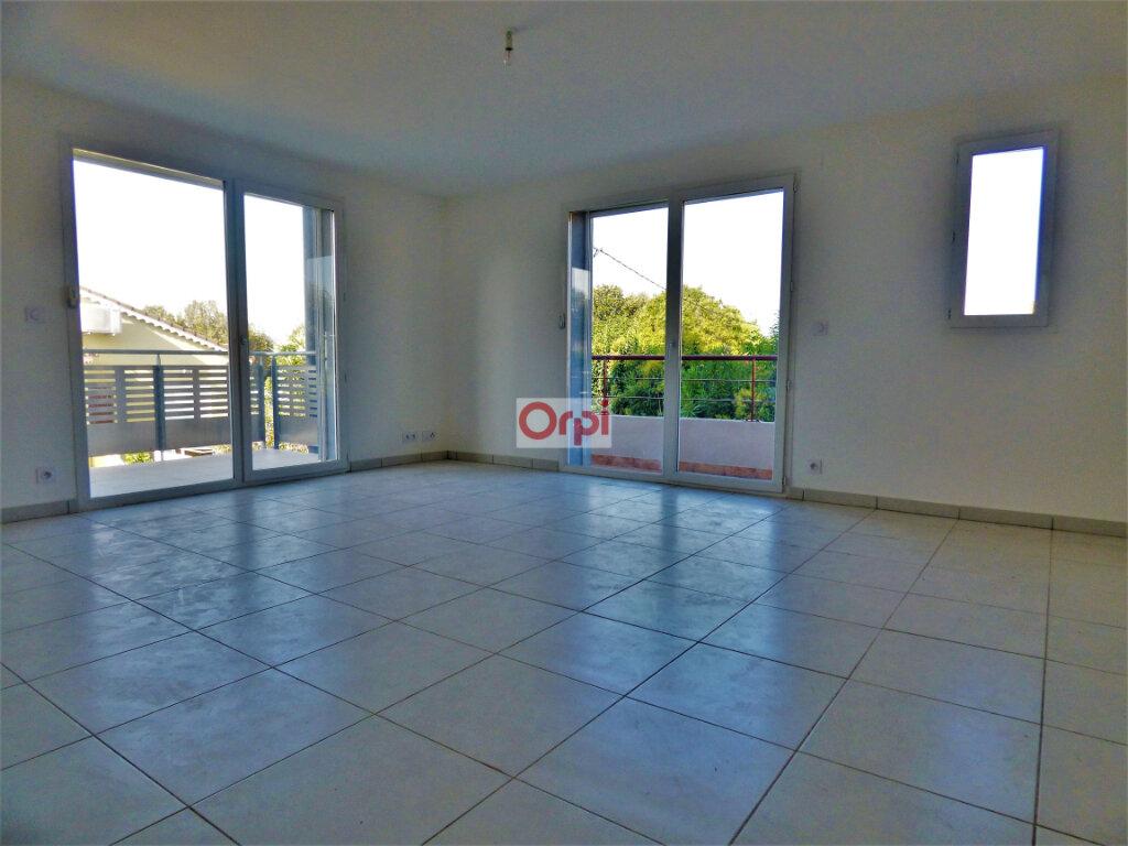 Appartement à vendre 3 62.23m2 à Fréjus vignette-2