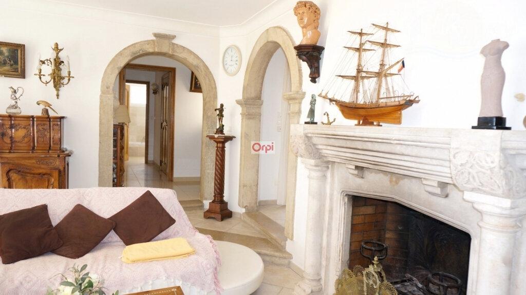 Maison à vendre 6 230m2 à Saint-Raphaël vignette-4