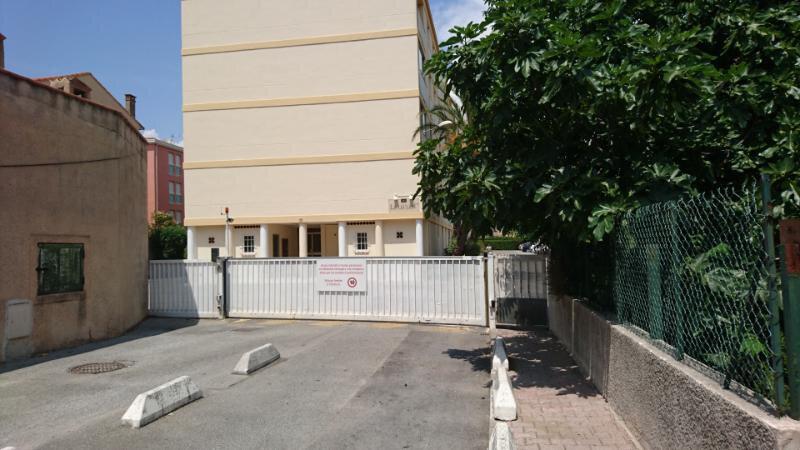 Appartement à vendre 4 68m2 à Saint-Raphaël vignette-1