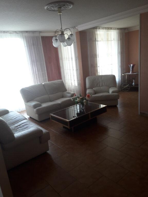 Appartement à vendre 4 68m2 à Saint-Raphaël vignette-3