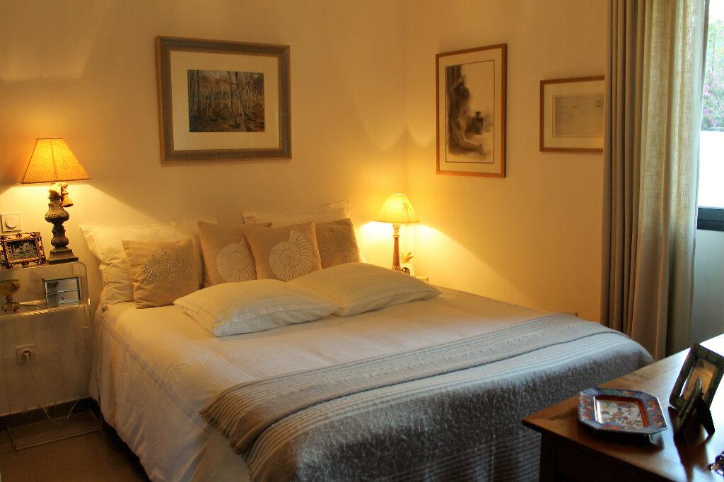 Appartement à vendre 3 58.14m2 à Saint-Raphaël vignette-4