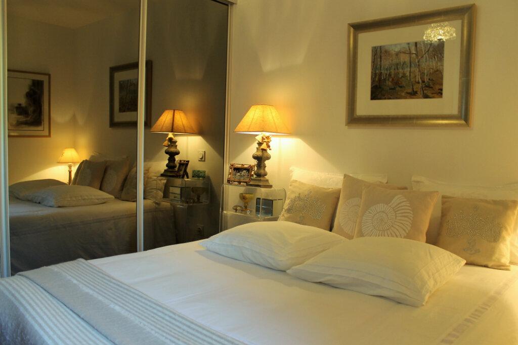 Appartement à vendre 3 58.14m2 à Saint-Raphaël vignette-5