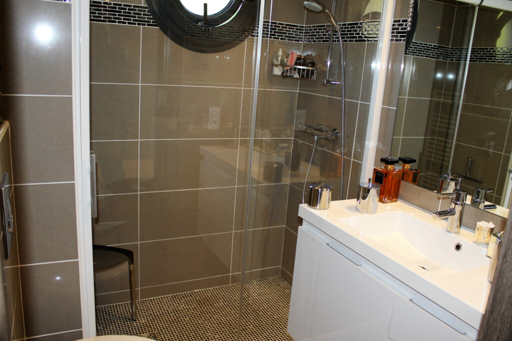 Appartement à vendre 3 58.14m2 à Saint-Raphaël vignette-6