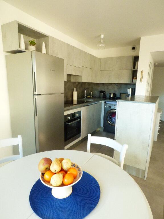 Appartement à vendre 2 53.6m2 à Saint-Raphaël vignette-6
