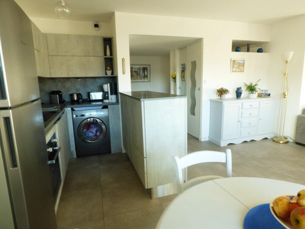 Appartement à vendre 2 53.6m2 à Saint-Raphaël vignette-7