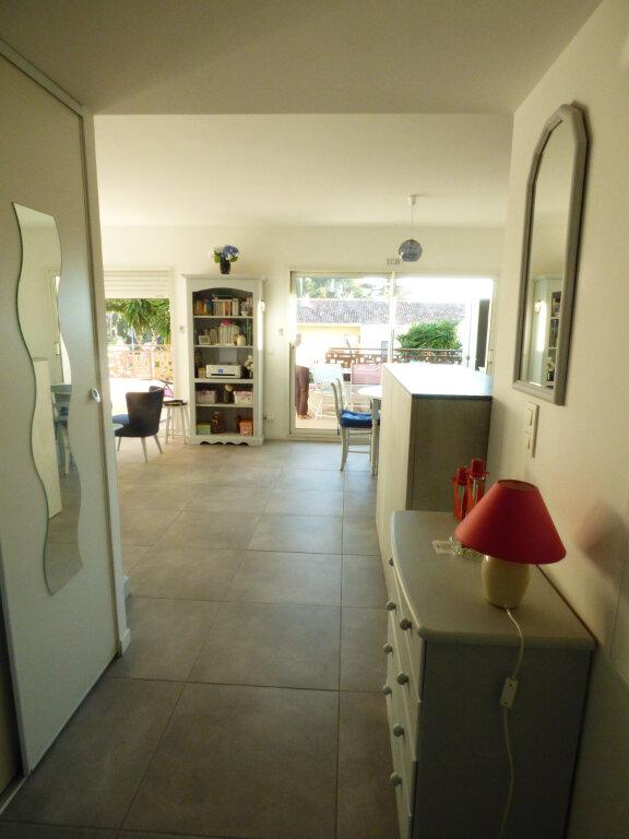 Appartement à vendre 2 53.6m2 à Saint-Raphaël vignette-8