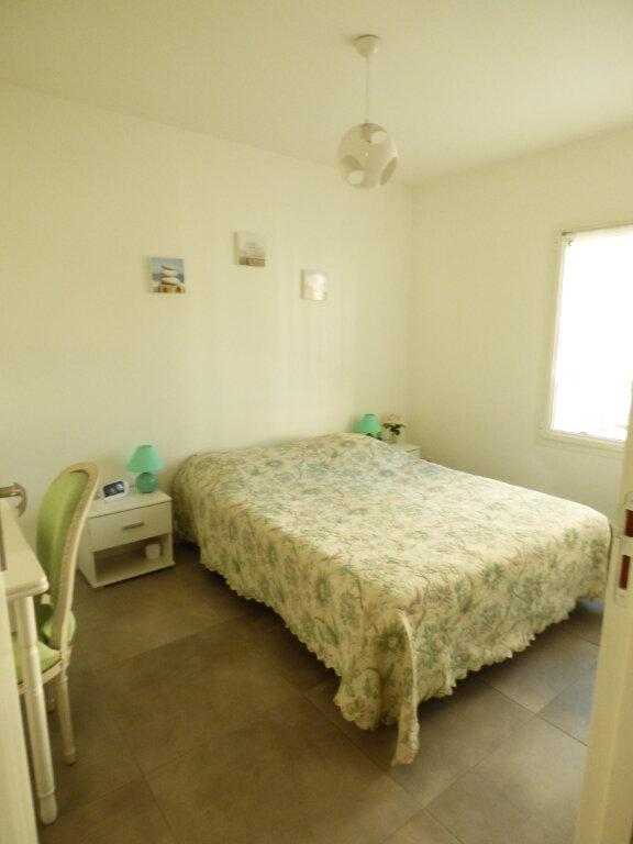 Appartement à vendre 2 53.6m2 à Saint-Raphaël vignette-9