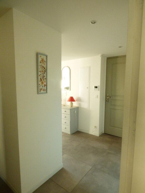 Appartement à vendre 2 53.6m2 à Saint-Raphaël vignette-11
