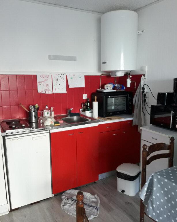 Appartement à vendre 1 28m2 à Saint-Raphaël vignette-3
