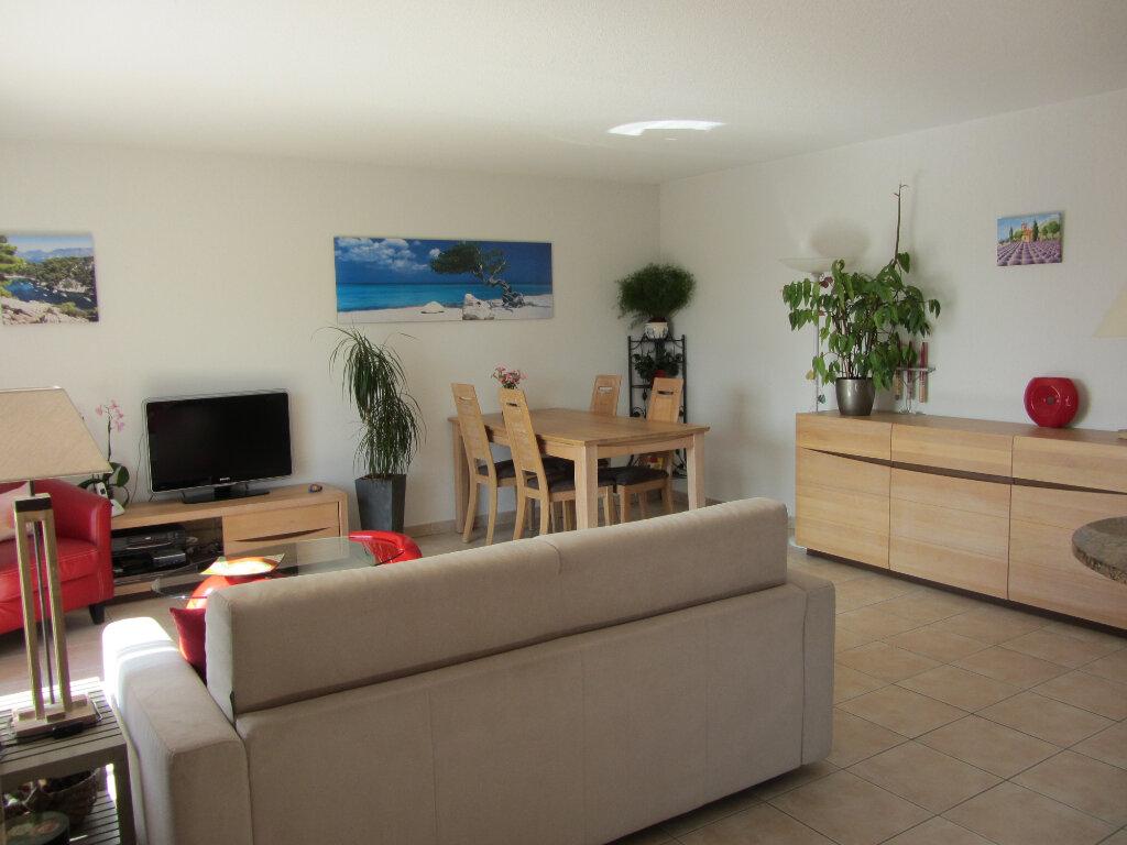 Appartement à vendre 3 67.5m2 à Saint-Raphaël vignette-7