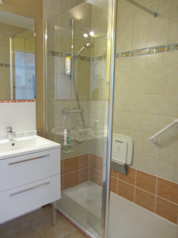 Appartement à vendre 3 67.5m2 à Saint-Raphaël vignette-11