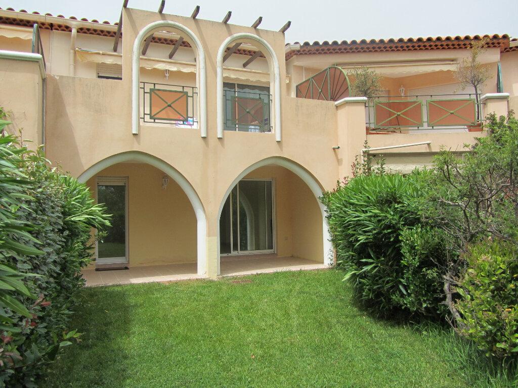 Appartement à vendre 3 53m2 à Saint-Raphaël vignette-2