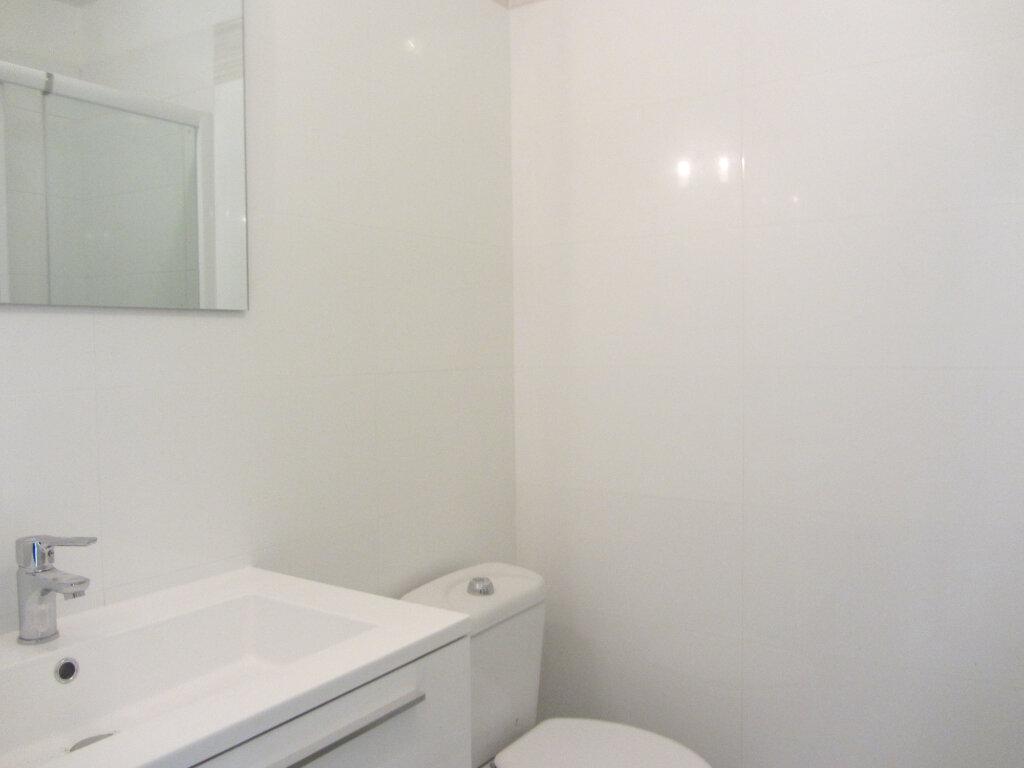 Appartement à vendre 3 53m2 à Saint-Raphaël vignette-8